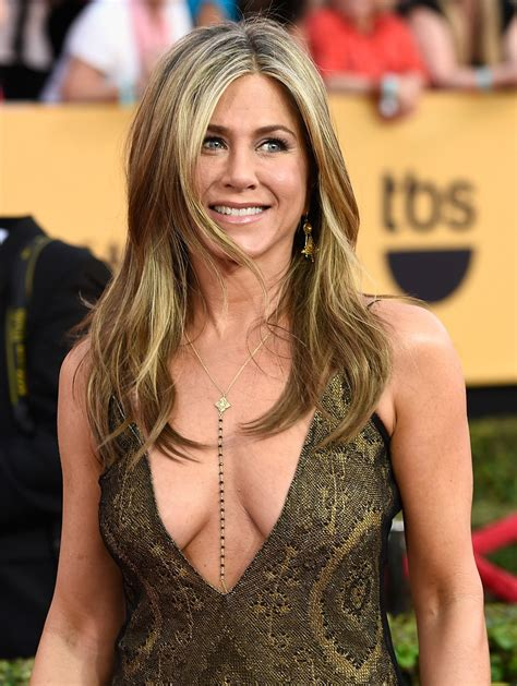 New Jenifer aniston announces launch of new perfume see