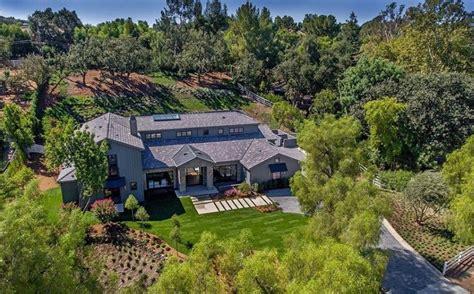 kris jenners address kris jenner buys 13 million home in california s hidden hills