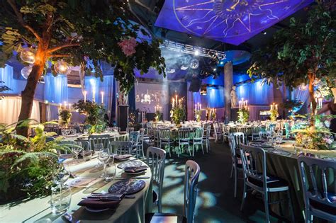 themed christmas events london swan shakespeares globe christmas party se1 crazy cow events