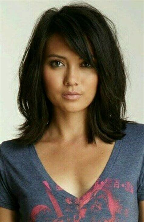 Brunette Hairstyles Wiyh Swept Away Bangs | 25 best ideas about bangs medium hair on pinterest
