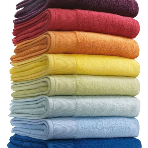 smaller bath towels daily dose of thrifty use white vinegar in your laundry