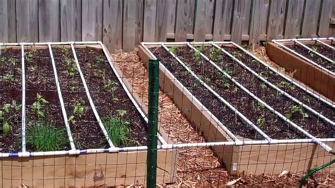 Self Watering Square Foot Garden Diy Youtube Vegetable Garden Watering Systems