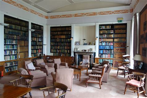 common room file staff reading common room clongowes wood college kildare ireland jpg wikimedia commons