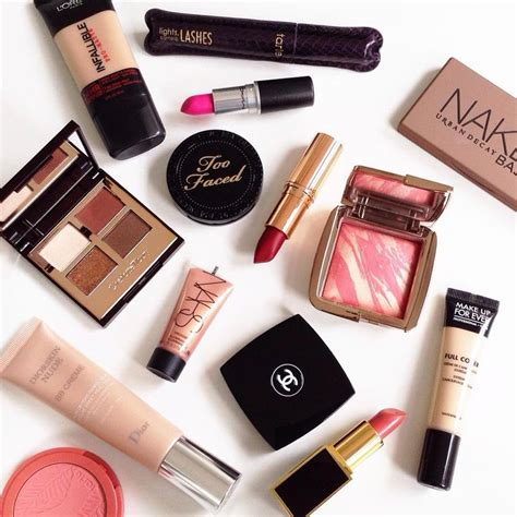 Maskara Luxury luxury cosmetics makeup forever and decay makeup on