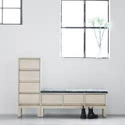 sitzbank mit garderobe sitzbank im flur modern gestalten skandinavischer wohnstil