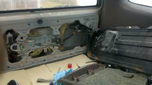 how to open a liftgate on 2006 suburban autos post