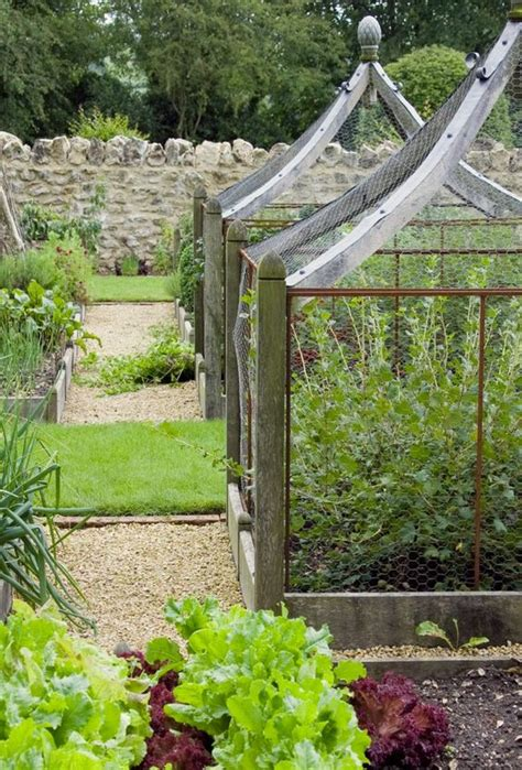 Love These Charming Chickenwire Garden Enclosures They Vegetable Garden Enclosures