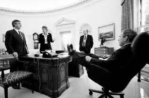 Fdr Oval Office by Photos Of President Obama With His Feet On The Resolute
