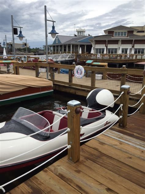 wooden boat restaurant wooden boats quot boathouse restaurant quot the hull truth