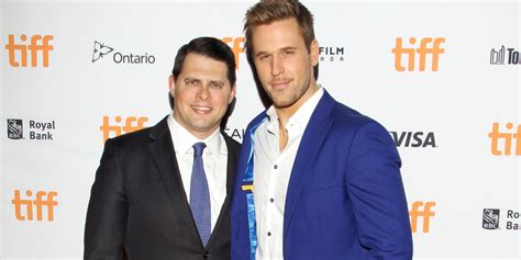 zachary berger actor younger star dan amboyer comes out as gay and married