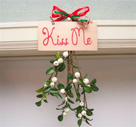 traditional tales why do we kiss under the mistletoe