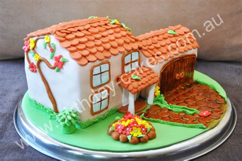 cake house novelty cakes and special house cakes would make a very sweet and extravagant cake