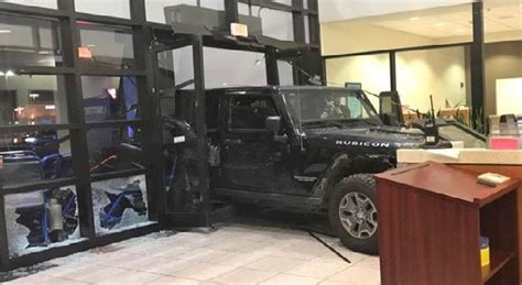 sacred emergency room cantonment crashes into sacred er in domestic violence incident northescambia