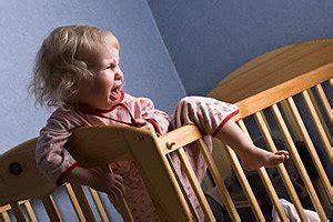 baby weint im bett baby und kleinkind ein und durchschlafprobleme urbia de