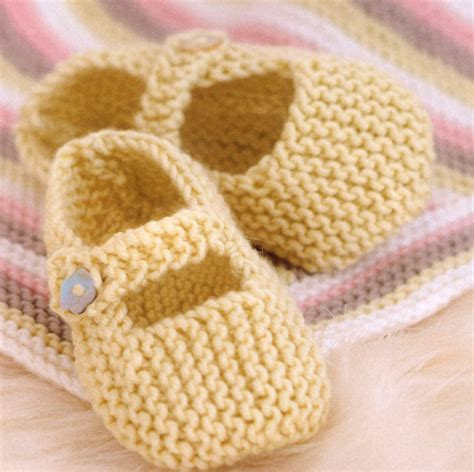 knit baby shoes baby janes and other shoes to knit knitting free