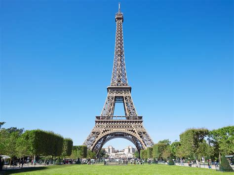 the eiffel tower eiffel tower facts and history insider