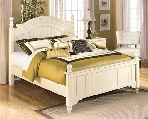 cottage bedroom furniture cottage retreat youth poster bedroom set from ashley b213