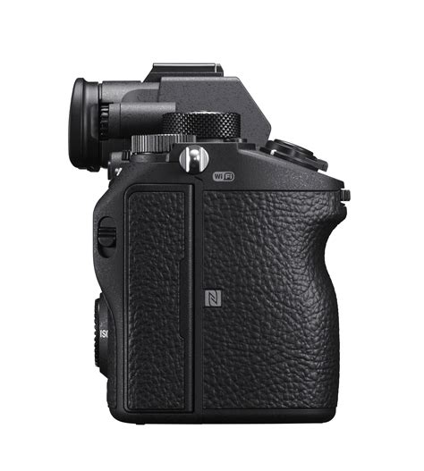 a7r sony a7r iii debuts as sony s most powerful frame