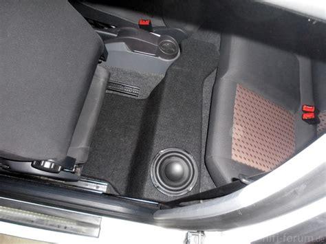 Auto Subwoofer Unterm Sitz by Subwoofer Unter Hinter Fahrersitz Car Hifi Anschluss