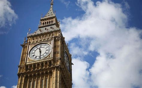 big ben  fall silent   years  iconic clock