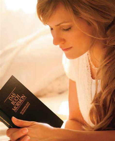 imagenes de alguien orando what is the book of mormon about mormon soprano