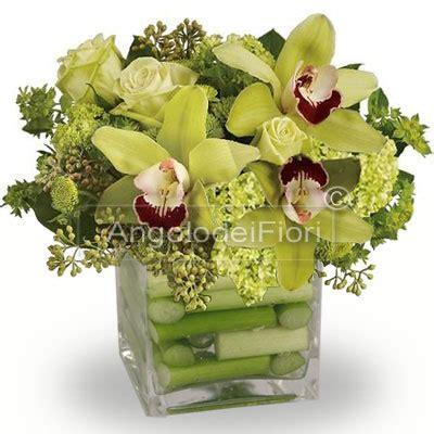 fiori di orchidee composizione di orchidee e da inviare a domicilio