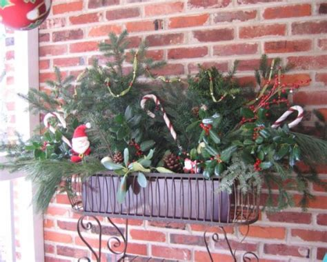 window sill christmas decorations tips for decorating your entrance for