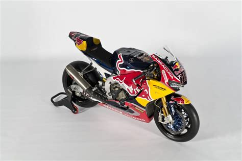 superbike honda cbr red bull honda world superbike cbr1000rr sp2 unveiled