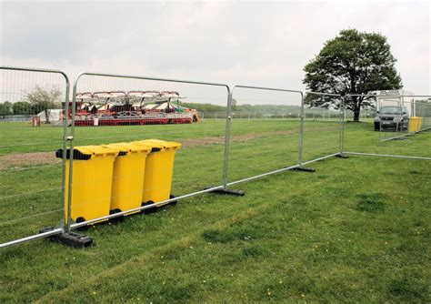 temporary fence temporary event fencing nationwide delivery safesite facilities