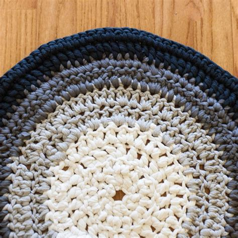 What Is Rug Yarn by Crochet T Shirt Yarn Rug 183 How To Make A Rag Rug