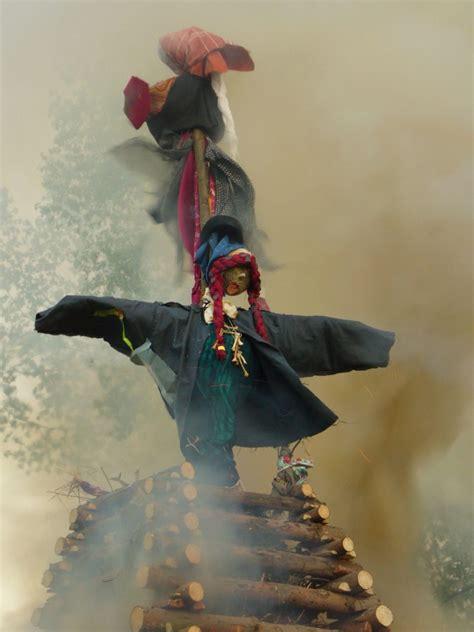 burning witches  image  libreshot