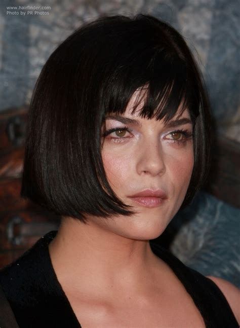 best bob haircut for large jaw back view of short haircut with tapered neckline up back