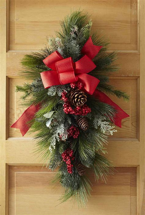 christmas swag wreath    minutes