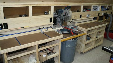 Miter Saw Bench With Moveable Fence