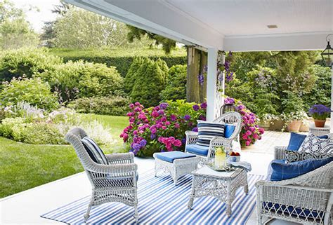 Cottage Style Outdoor Furniture by Cottage Style Homes East Hton Home Tour The