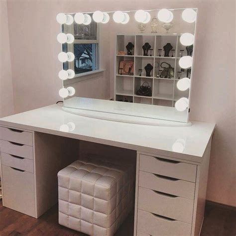 25 best ideas about mirrored furniture on pinterest best 25 makeup table with mirror ideas on pinterest makeup