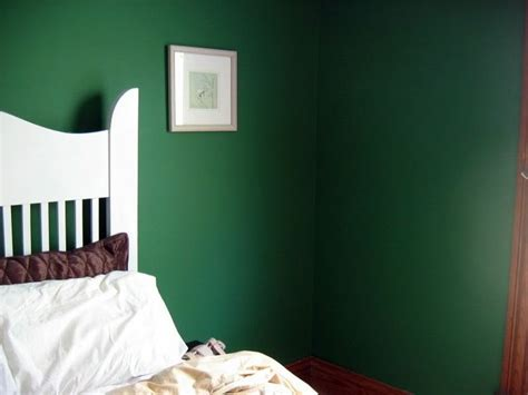 dark green paint bedroom 17 best images about bedroom on pinterest dark green