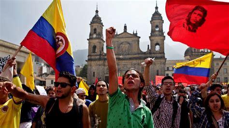 hora de bogota colombia colombia sali 243 a las calles para protestar contras las