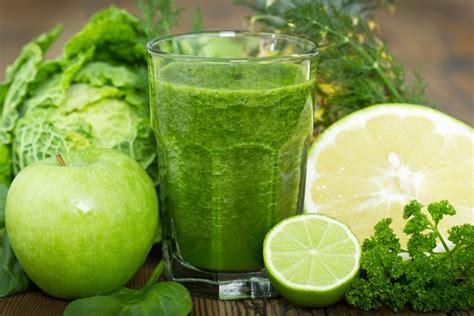 Detox Drinks Philippines by 5 Bienfaits Sant 233 Des Smoothies Verts Et Des Jus Verts