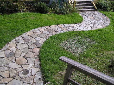 Rock Pathways | how to lay down a stone pathway how to build a house