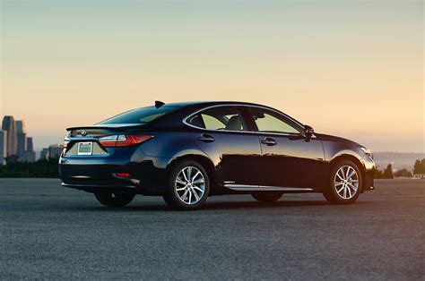 lexus es300h 2017 lexus es300h reviews and rating motor trend