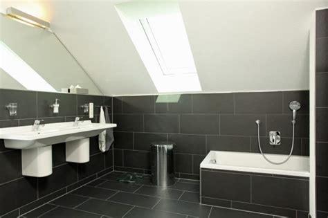 fertighaus wohnidee badezimmer  schwarz wohnideen