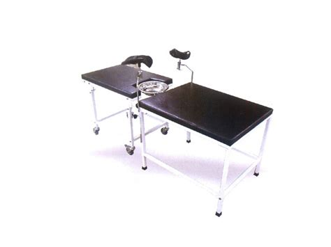 gynaecology examination couch gynaecology couch examination tables delivery bed