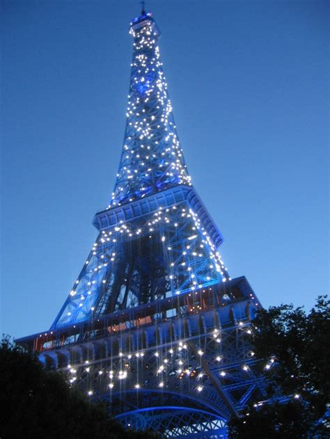 eiffel tower light my must see s for the city of lights eyemasq