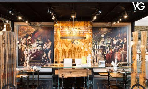 quadri decorativi per interni come arredare le pareti con specchi quadri e pannelli