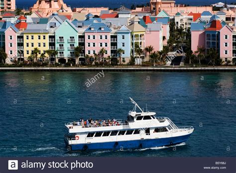 ferry boat to bahamas ferry boat in front of atlantis hotel nassau harbour