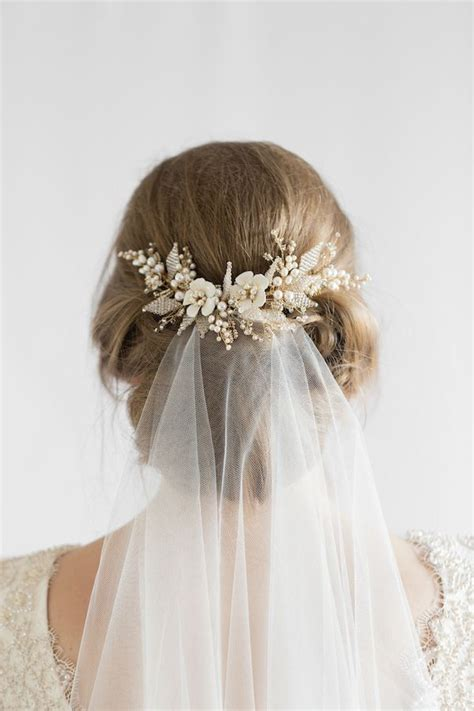 Wedding Hairstyles With Veil And Flower by 25 Best Ideas About Wedding Hairstyles Veil On
