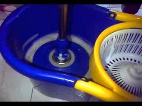 Magic Mop Alat Pel Modern Dengan Sprayer Pembersih Lantai press spin mop without foot pedal doovi