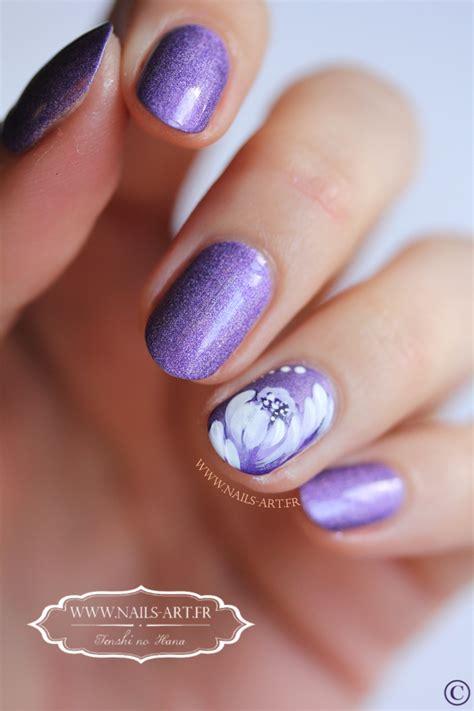 nail art tutorial zhostovo mintaka et sa fleur blanche touche de zhostovo nature