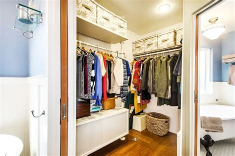 Diy Small Walk In Closet Ideas by 18 Small Walk In Closet Designs Ideas Design Trends